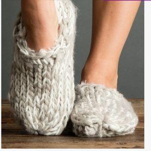 🆕️LEMON CLAY FAUX FUR FROSTBITE SLIPPER SOCKS